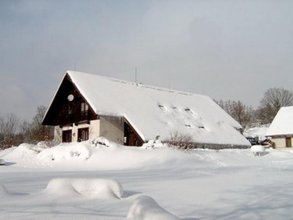 Ubytování Jizerské hory - Penzion Farma u Janova - pohled zvenku